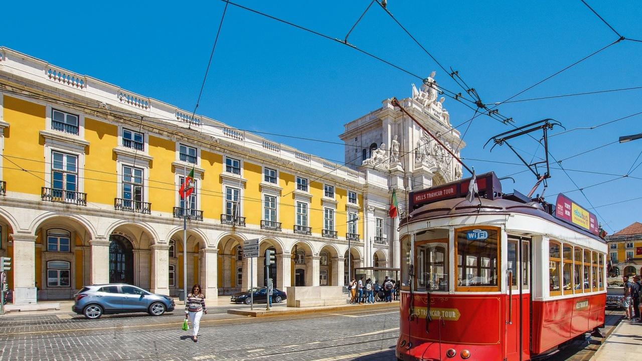 Правителството на Португалия затваря Лисабон до понеделник заради COVID-19