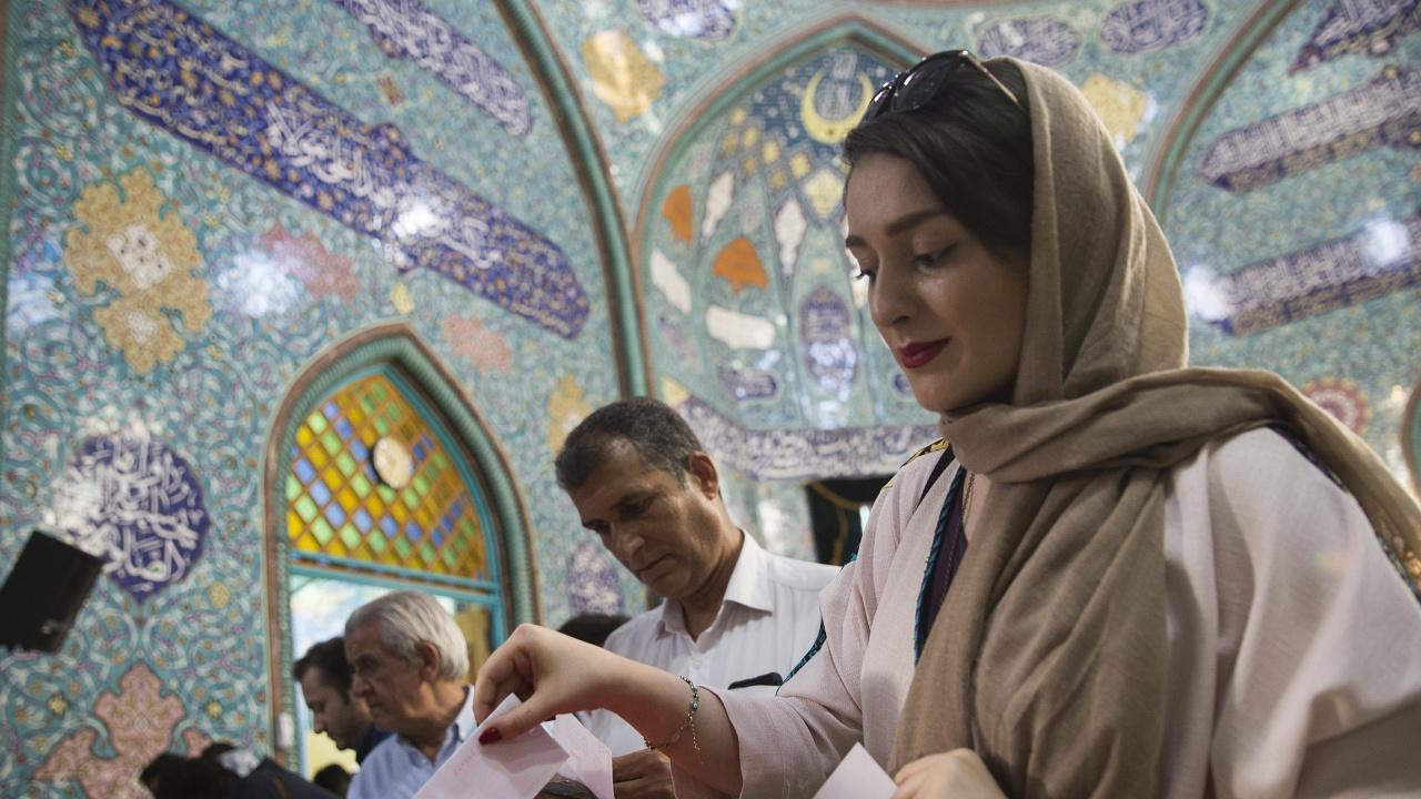 """""""Амнести интернешънъл"""" разкритикува избирането на Ебрахим Раиси за президент на Иран"""