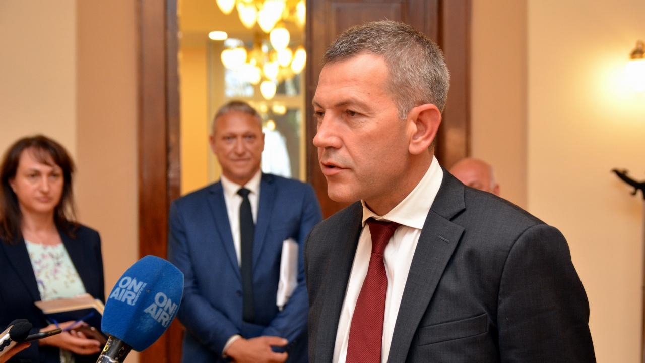 Служебният министър на транспорта: Диалогът с браншовите организации в обучението на кандидатите за водачи е възстановен