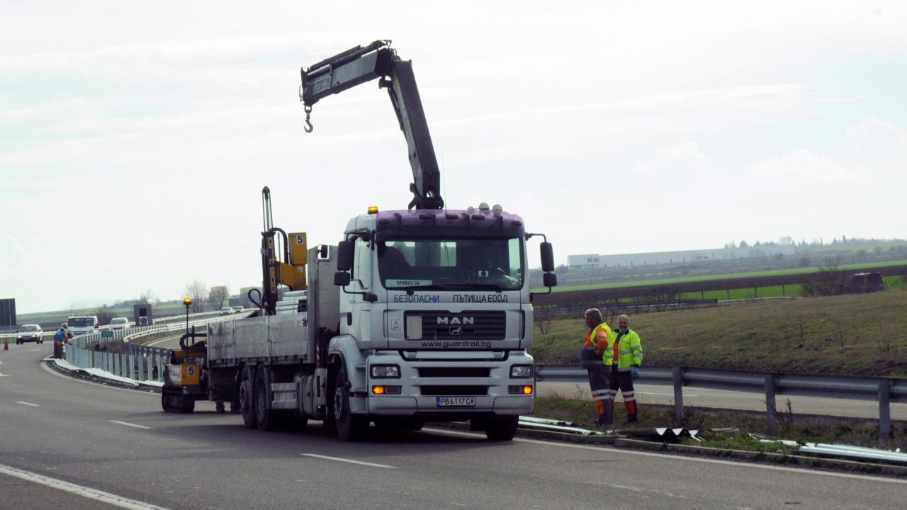 """Удължават ремонта на магистрала """"Тракия"""" край Стара Загора"""