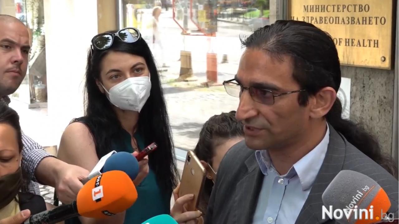 Здравен медиатор: Ромите не се ваксинират, защото ги е страх, че някой ще ги чипира