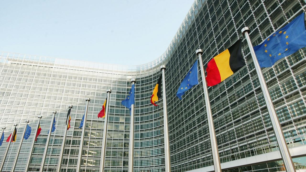 България бе подложена на остра критика от ЕС заради блокадата ѝ спрямо РС Македония