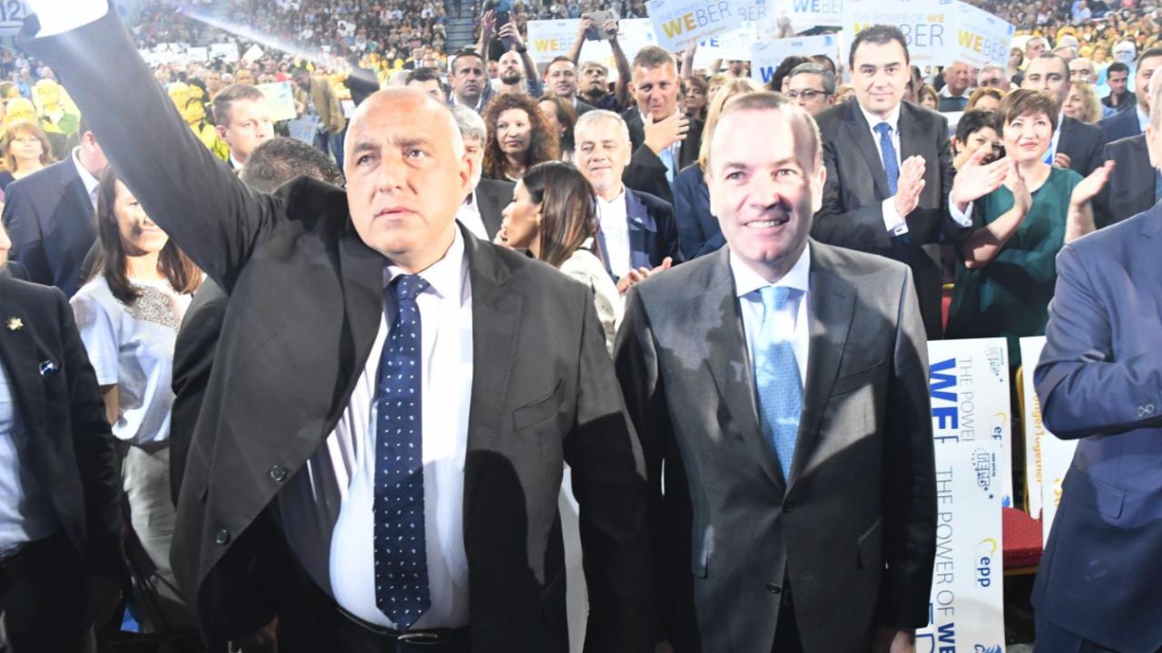 Манфред Вебер към Борисов: Битката не е за изборна победа, а за демокрация