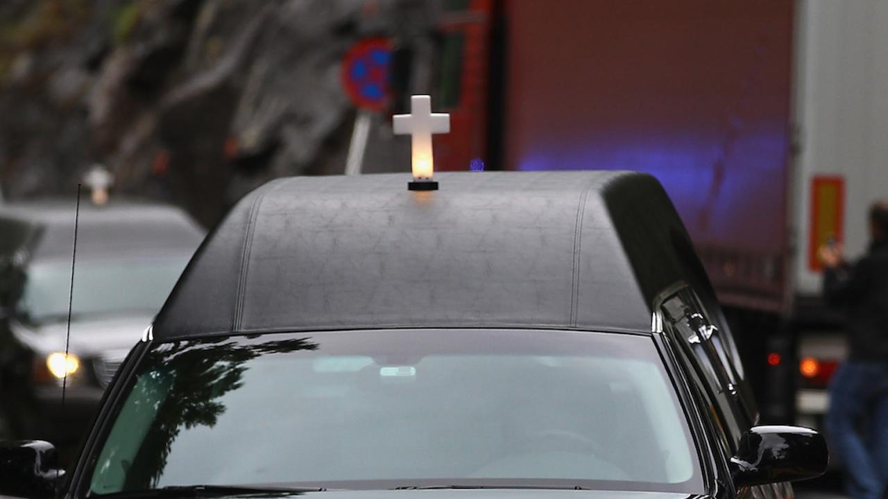 Катафалка уби жена в Сапарева баня, шофьорът - друсан