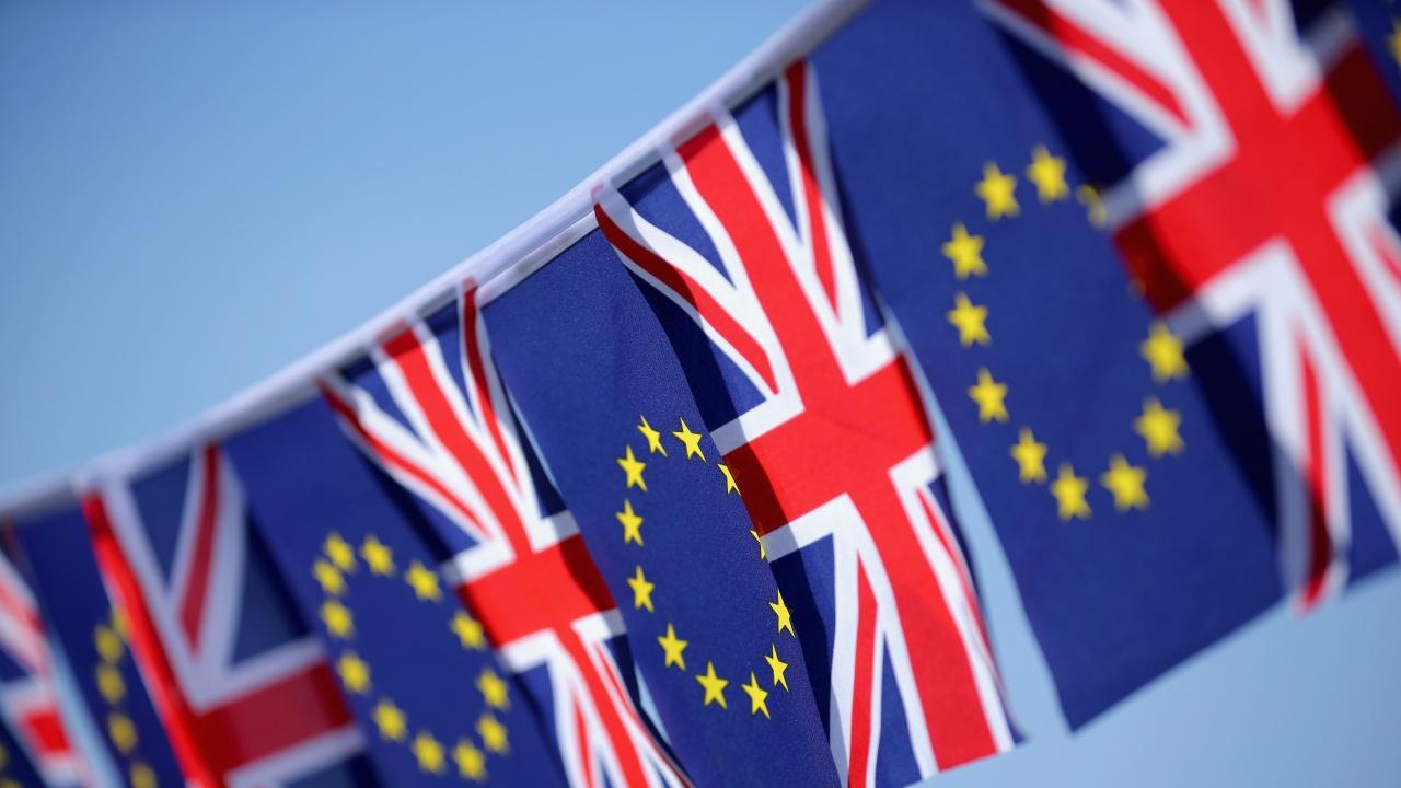 Пет години след референдума за Брекзит Великобритания е разделена и с главата надолу