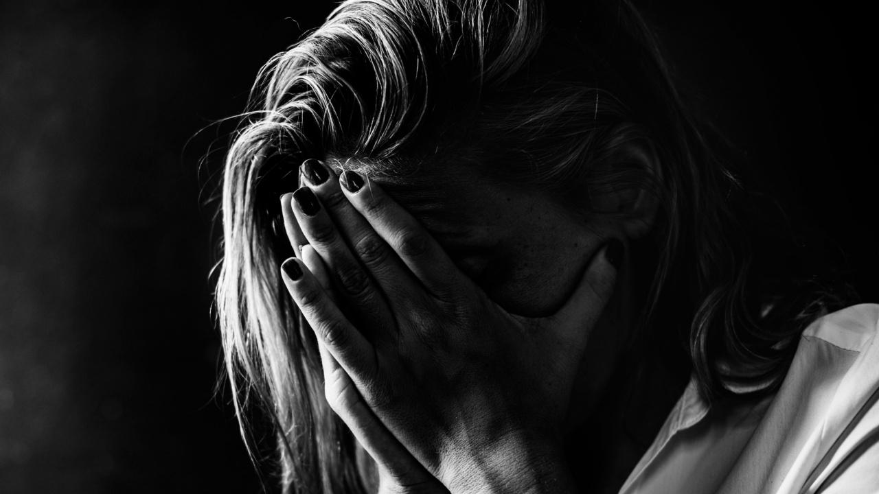 Жена, убила мъжа, изнасилвал я редовно в продължение на 25 г., я грози доживотен затвор