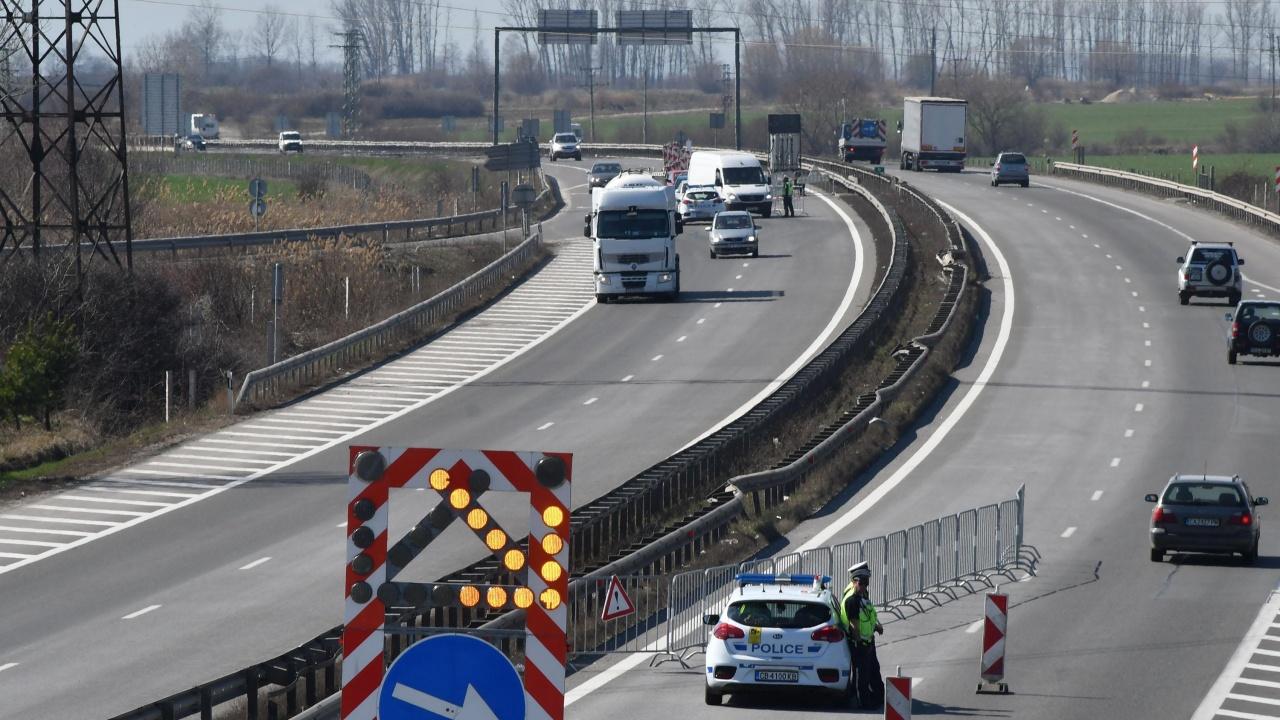 """Автомагистрали: Близо 79 млн.лв. са спестени от цените на материалите чрез платени аванси за участъци 4, 5 и 6 на АМ """"Хемус"""""""