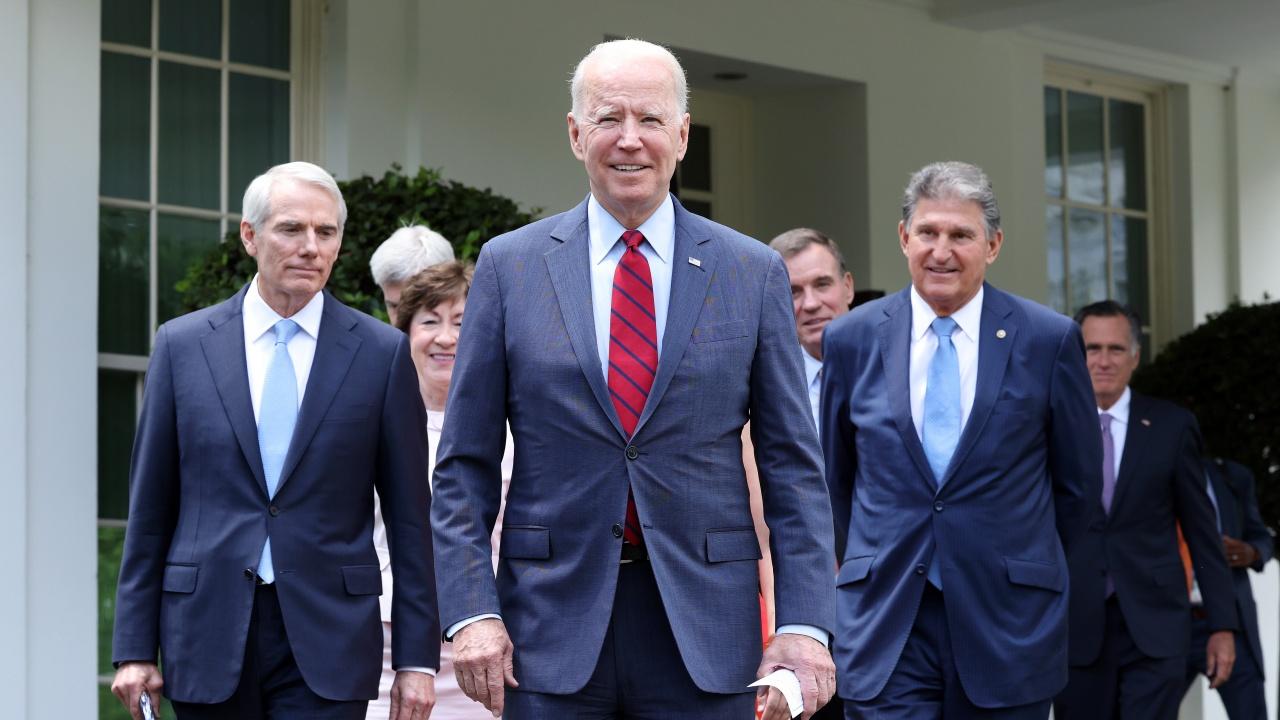 Джо Байдън обяви, че е постигната двупартийна сделка по мащабния план за инфраструктурни разходи