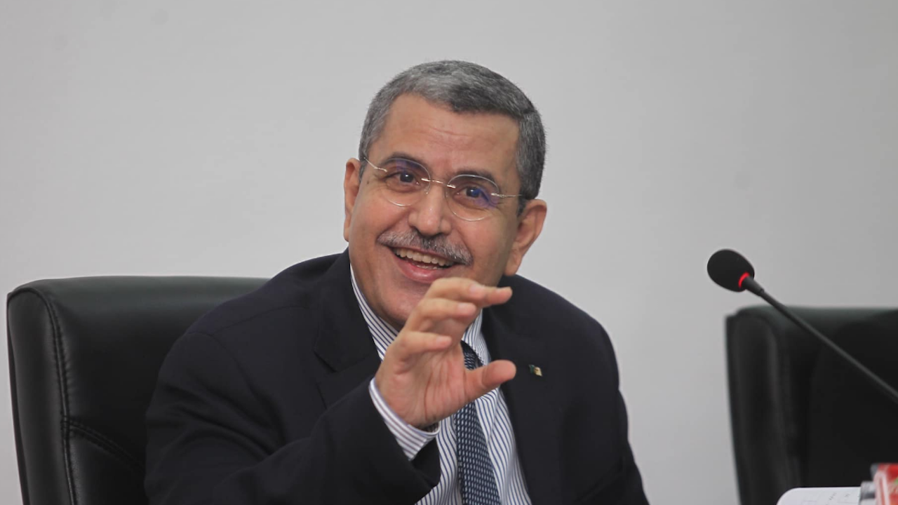 Премиерът на Алжир подаде оставка