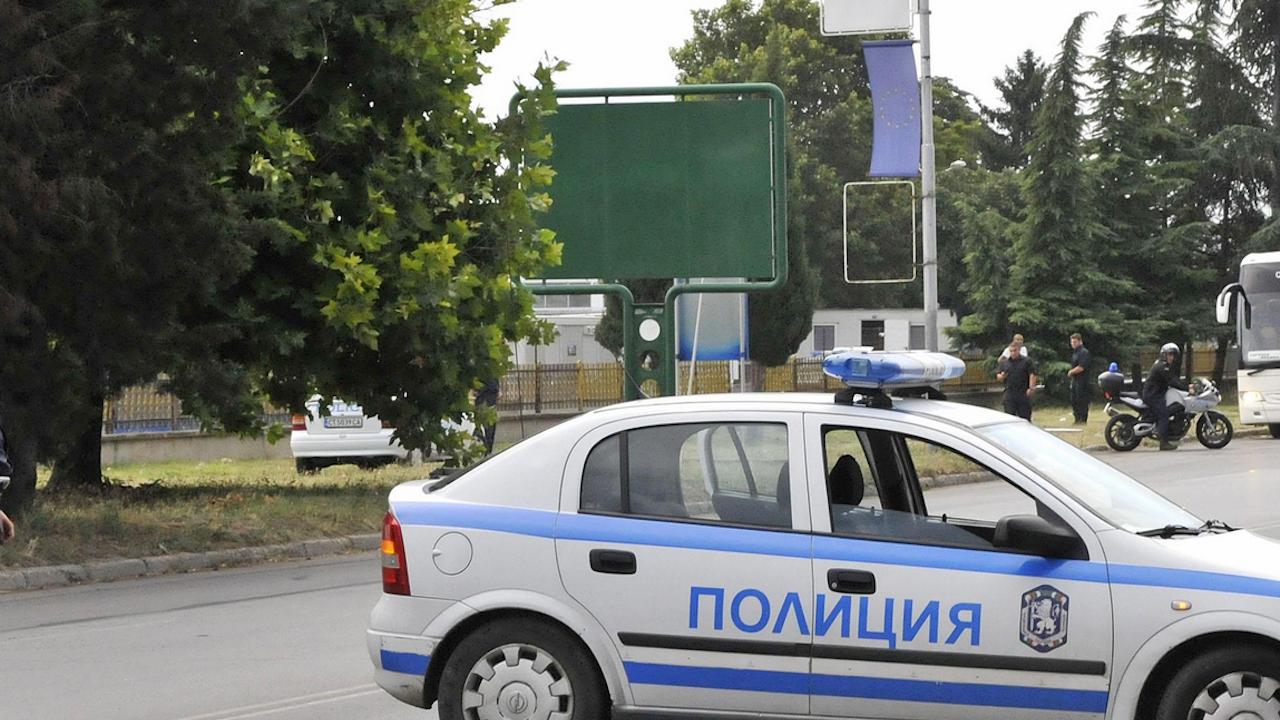 Мъж припадна след полицейска проверка в София