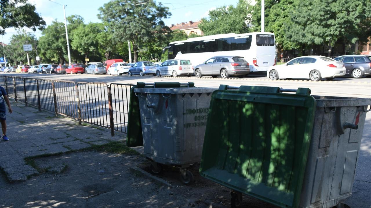 Труп на бебе бе открит в кофа за боклук в София