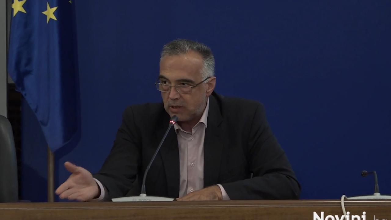 Антон Кутев: Борисов да не задава въпроси, а да отговаря