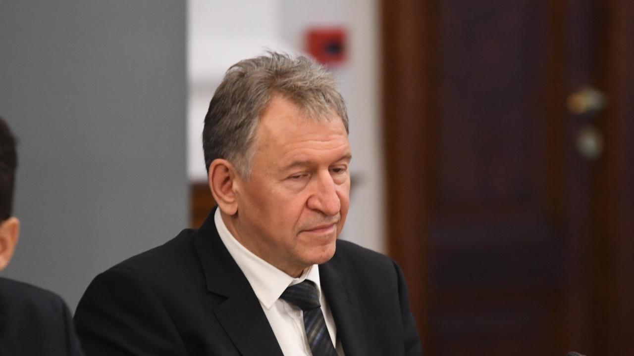 От 1 юли в България ще се влиза по нов начин и средствата за работещите на първа линия ще се изплащат по нови правила, обяви Стойчо Кацаров