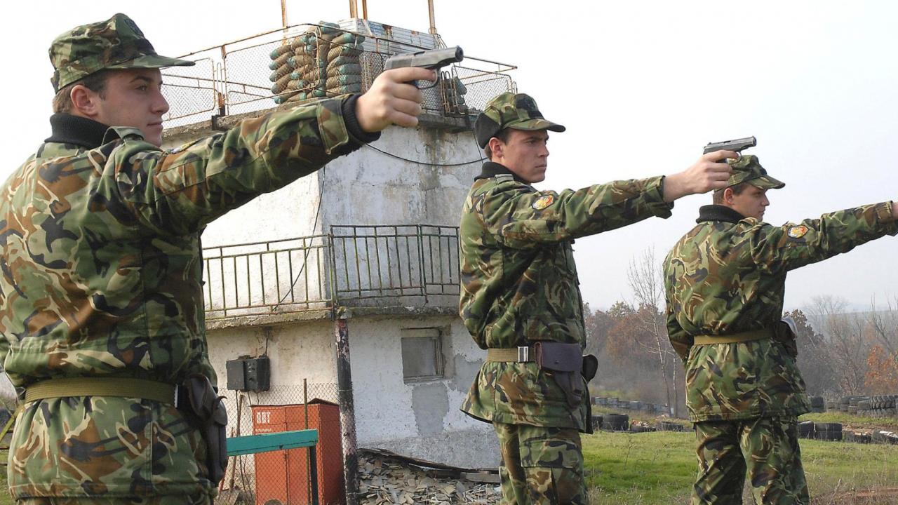 Армията търси 155 желаещи да станат войници в Сухопътни войски