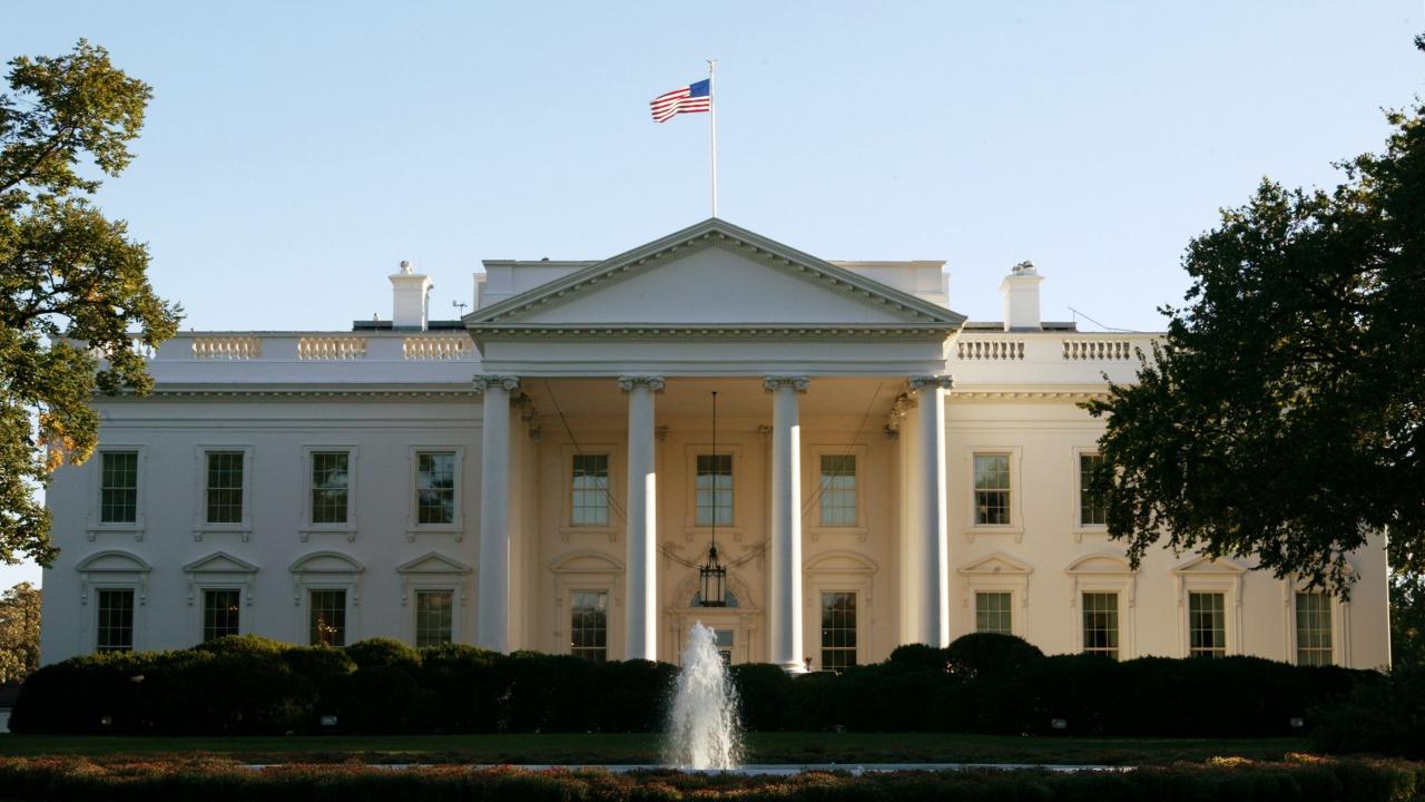 Белият дом съобщи, че 56 процента от назначенията му са на жени