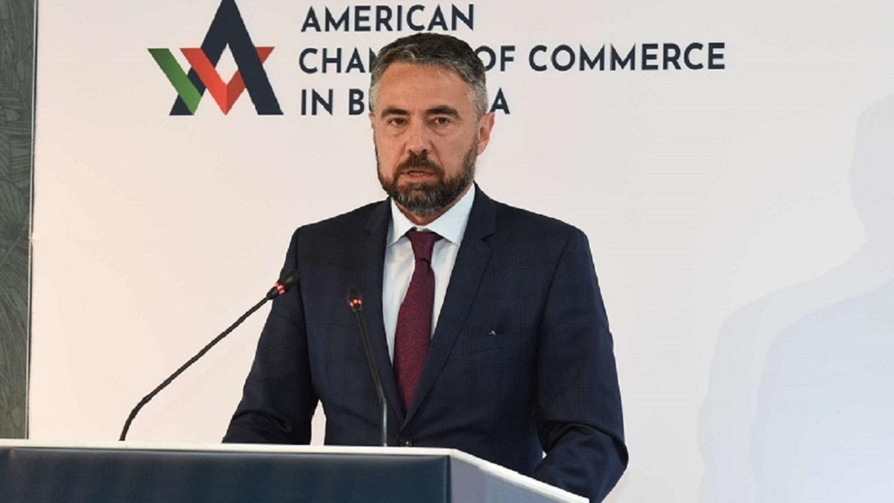 """Министър Живков поиска от БЕХ да отстрани шефовете на """"Булгартрансгаз"""""""