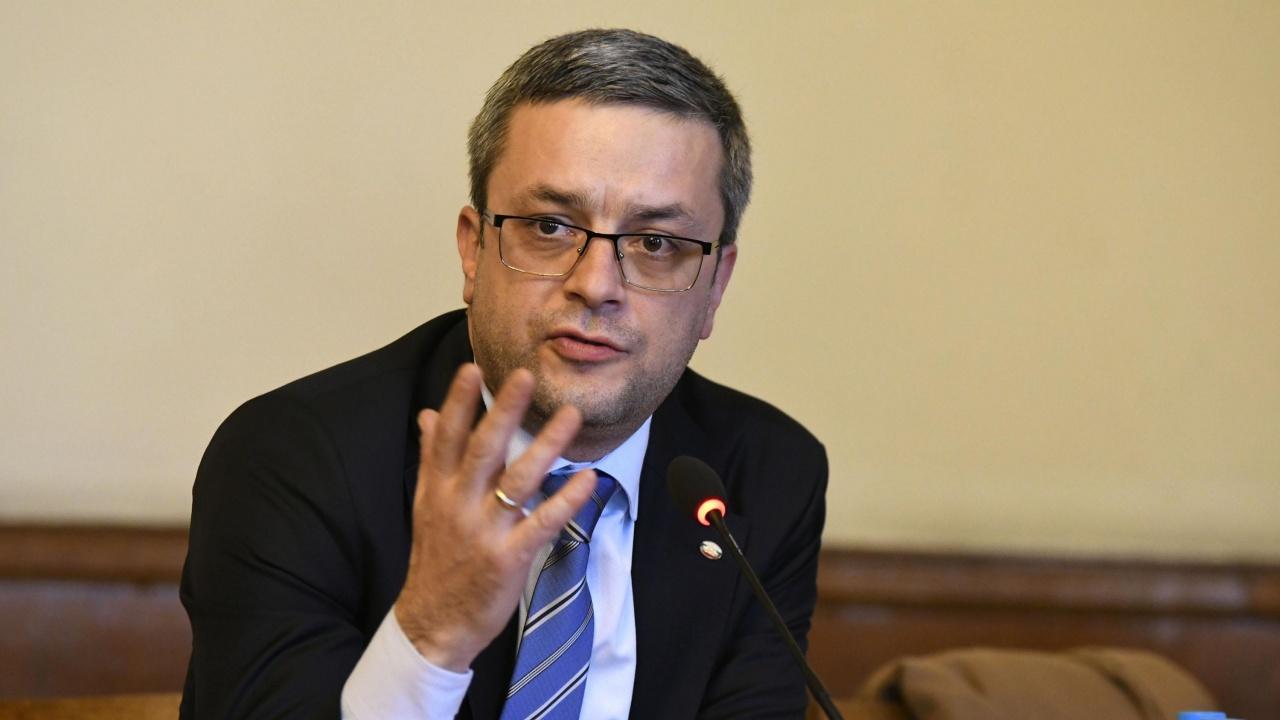 Тома Биков: Този объркан човек Бойко Рашков сега атакува Църквата, намесва се пряко в изборите