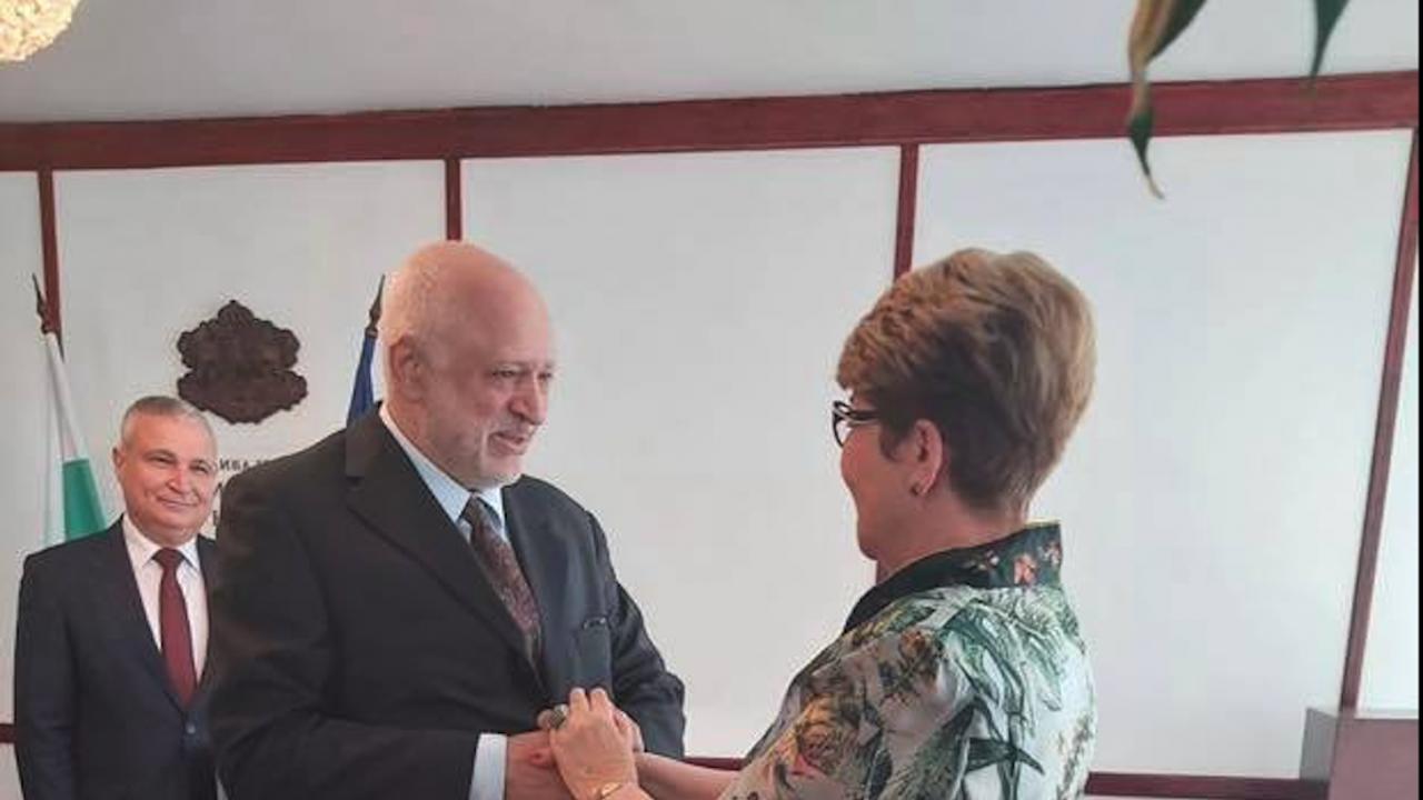 Проф. Велислав Минеков се срещна с посланик Митрофанова