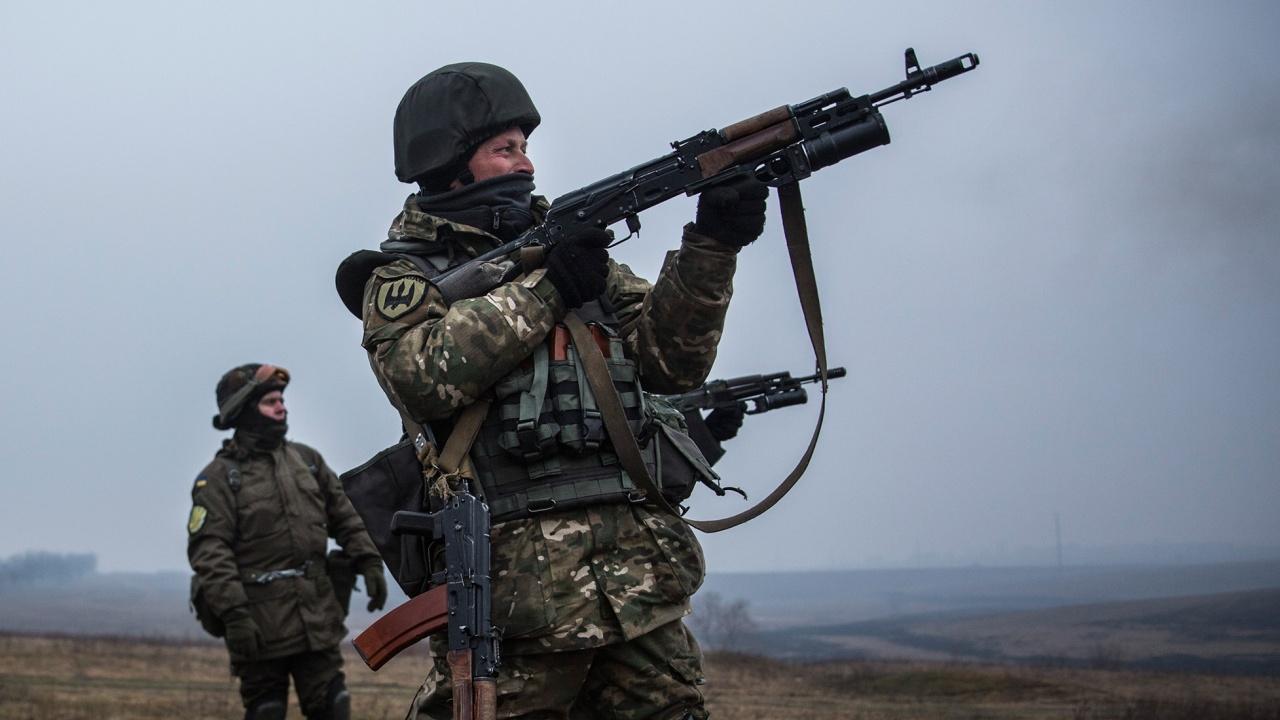 Украински военен медик бе убит в Източна Украйна