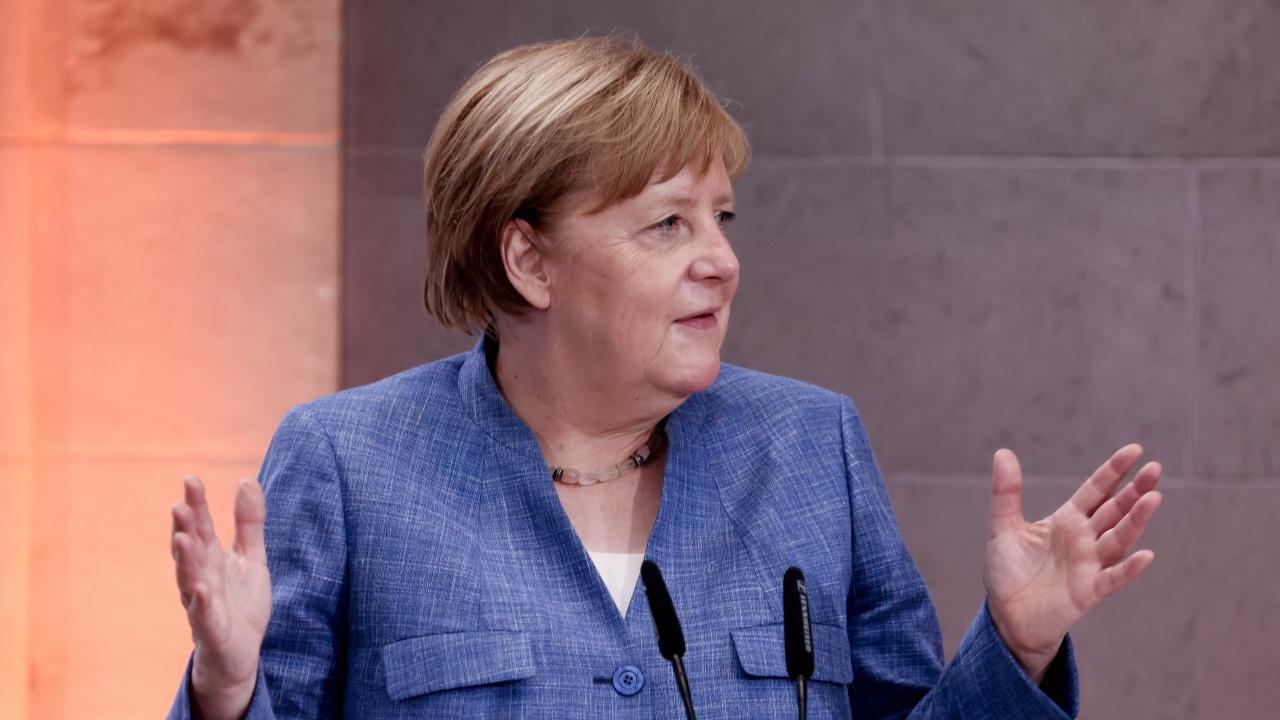 Християндемократите на Меркел подготвят кампания за канцлерския пост в Германия
