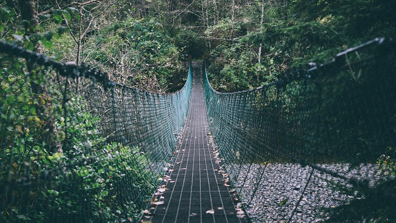 Опасен мост в община Своге застрашава живота на преминаващите по него