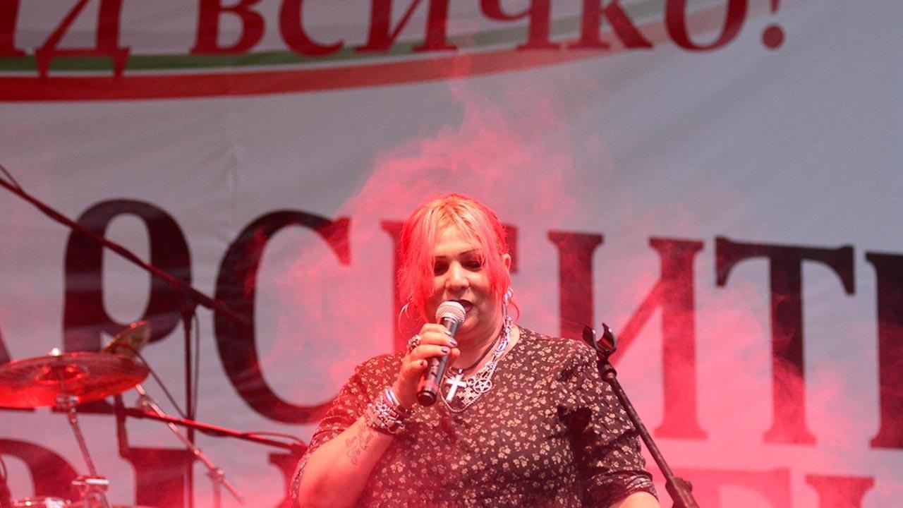 Патриотите: Милена Славова пя в защита на християнското семейство във Варна
