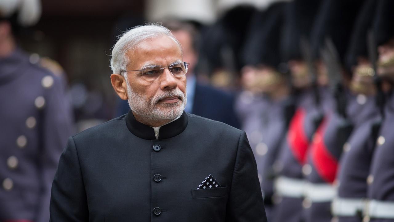 Премиерът на Индия уволни 12 министри за несправяне с пандемията
