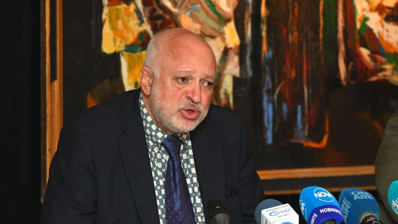 Велислав Минеков получил заплахи да мълчи и да не рови, той:  Слънчогледите се завъртяха