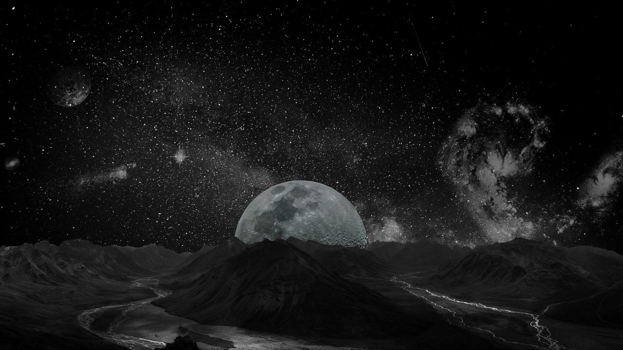 """Руски учен предсказа появата на """"втора Луна"""""""