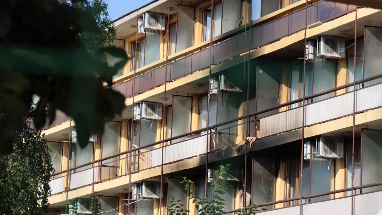 Голям пожар в дом за възрастни край Варна, има един загинал