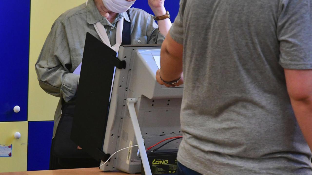 ГЕРБ-Шумен сигнализира за несъвместимост между кандидат-депутат от ДПС и член на СИК