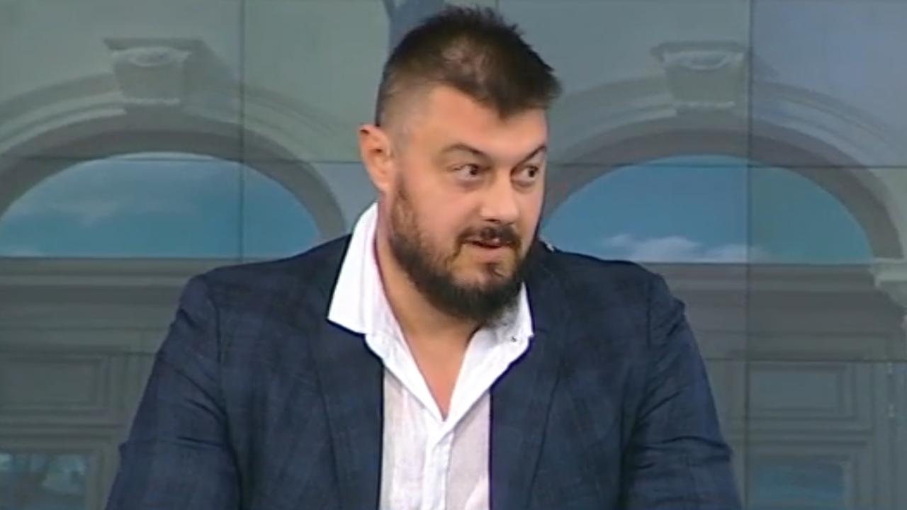 Бареков: Мегамачовците Слави Трифонов и Бойко Борисов нямат мнозинството, служебният кабинет да спре работа