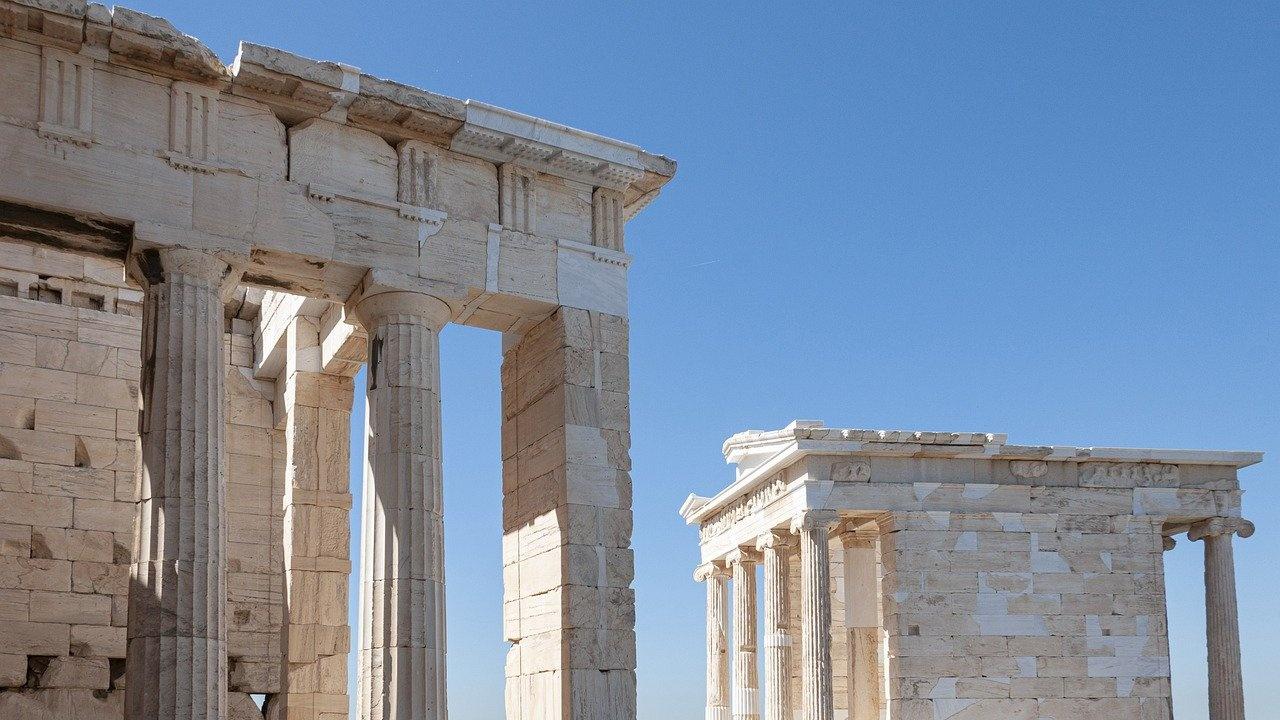 Нови ограничителни мерки в Гърция от петък