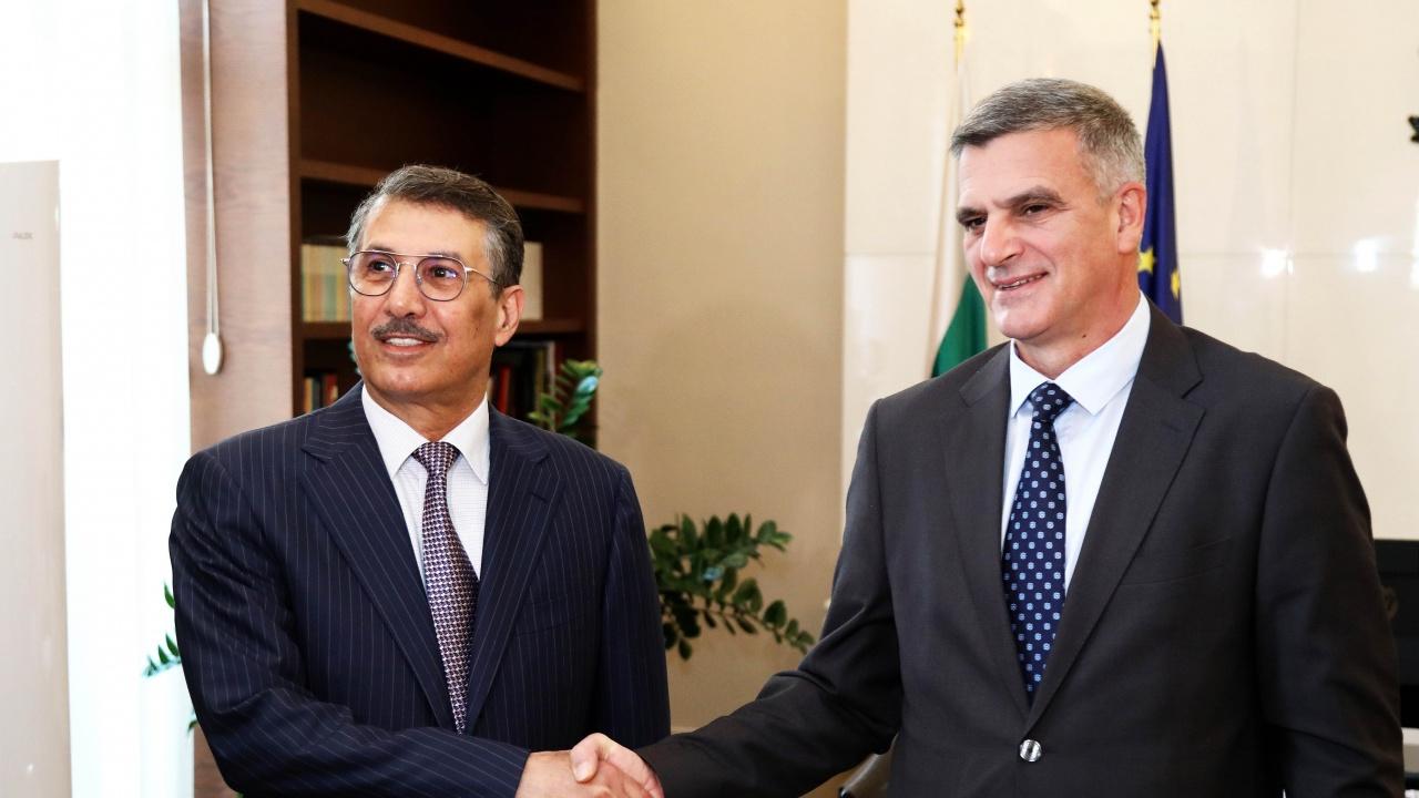 Премиерът Янев се среща с посланика на Катар