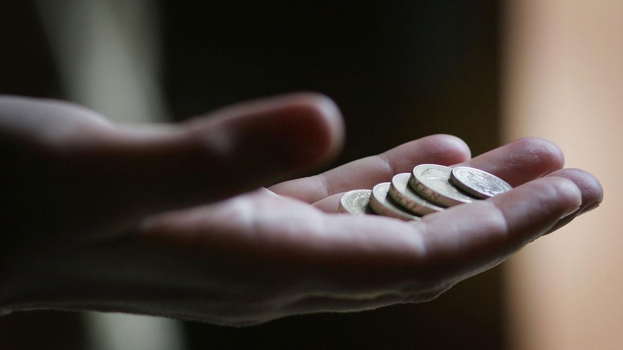 КНСБ изчисли по колко трябва да получаваме, за да покриваме основните си разходи