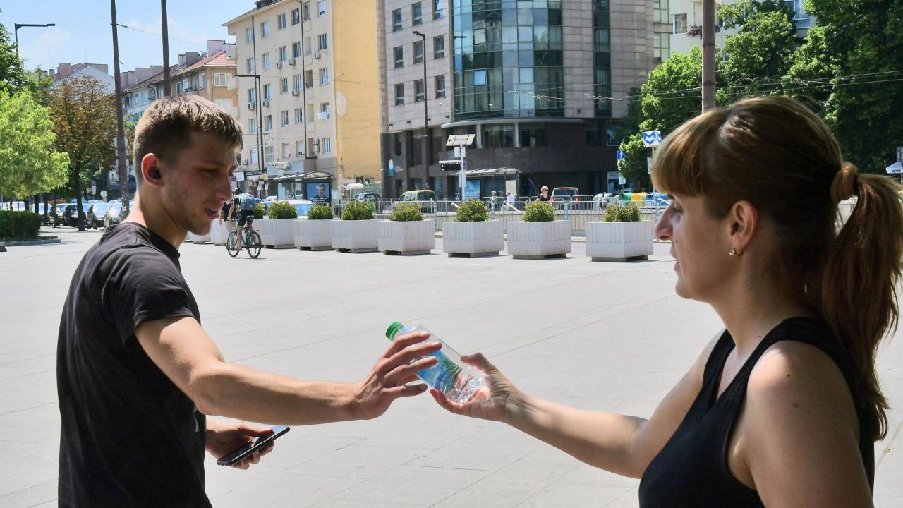 От Столична община раздават безплатна вода в жегите