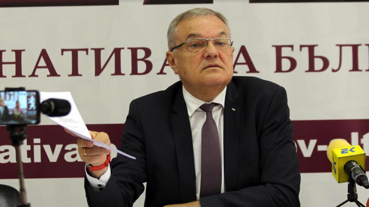 Румен Петков за Слави Трифонов: Усещането за власт е заболяване, което се разпростира твърде бързо