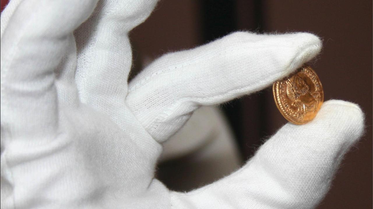 Римска монета и ограбена гробница на епископ от 5-6 век откриха на Перперикон