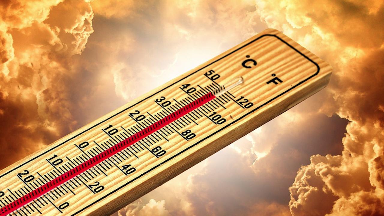 Жълт код за опасни горещини в цялата страна утре