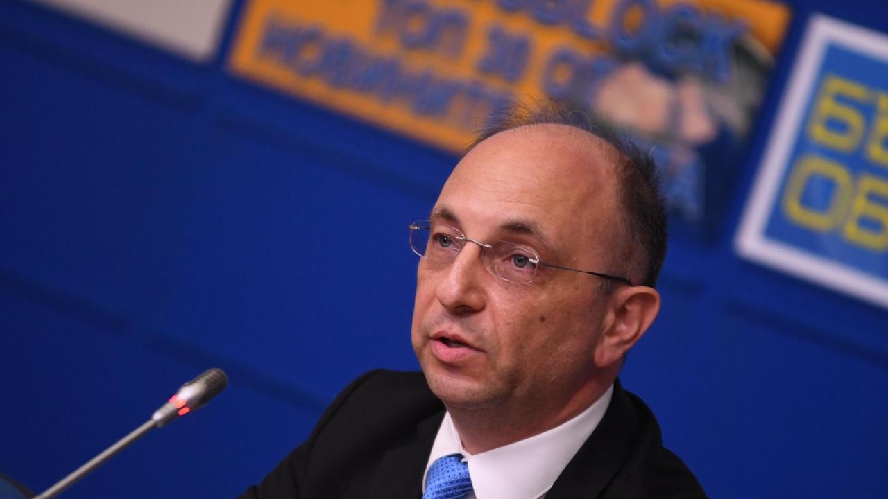 Николай Василев: Не съм обвързан с ДПС, срещу мен бе насочен приятелски огън отдясно