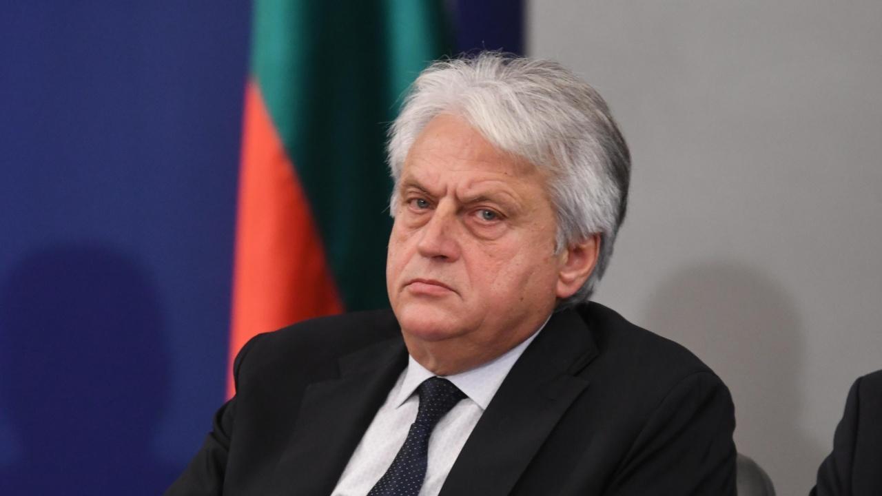 Министър Рашков публикува мотивите, с които иска отстраняването на Иван Гешев