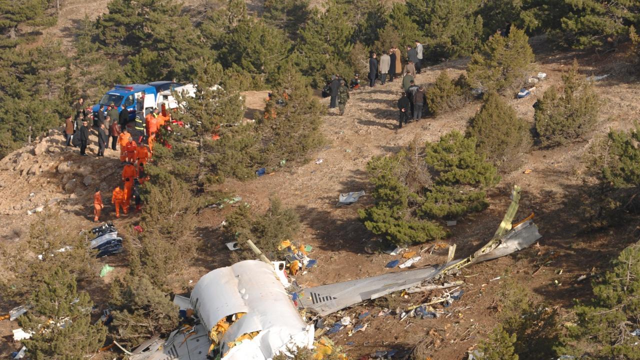 Катастрофа на малък самолет в Германия уби трима души