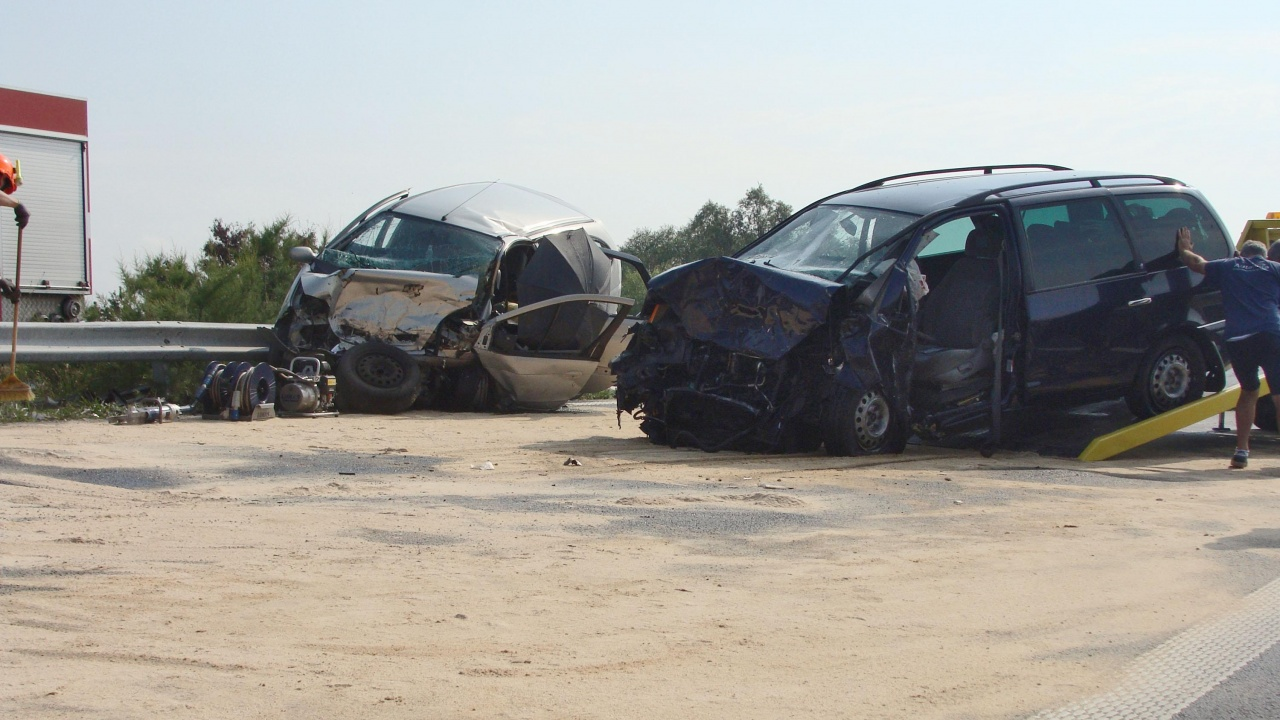Верижна катастрофа край Созопол блокира трафика