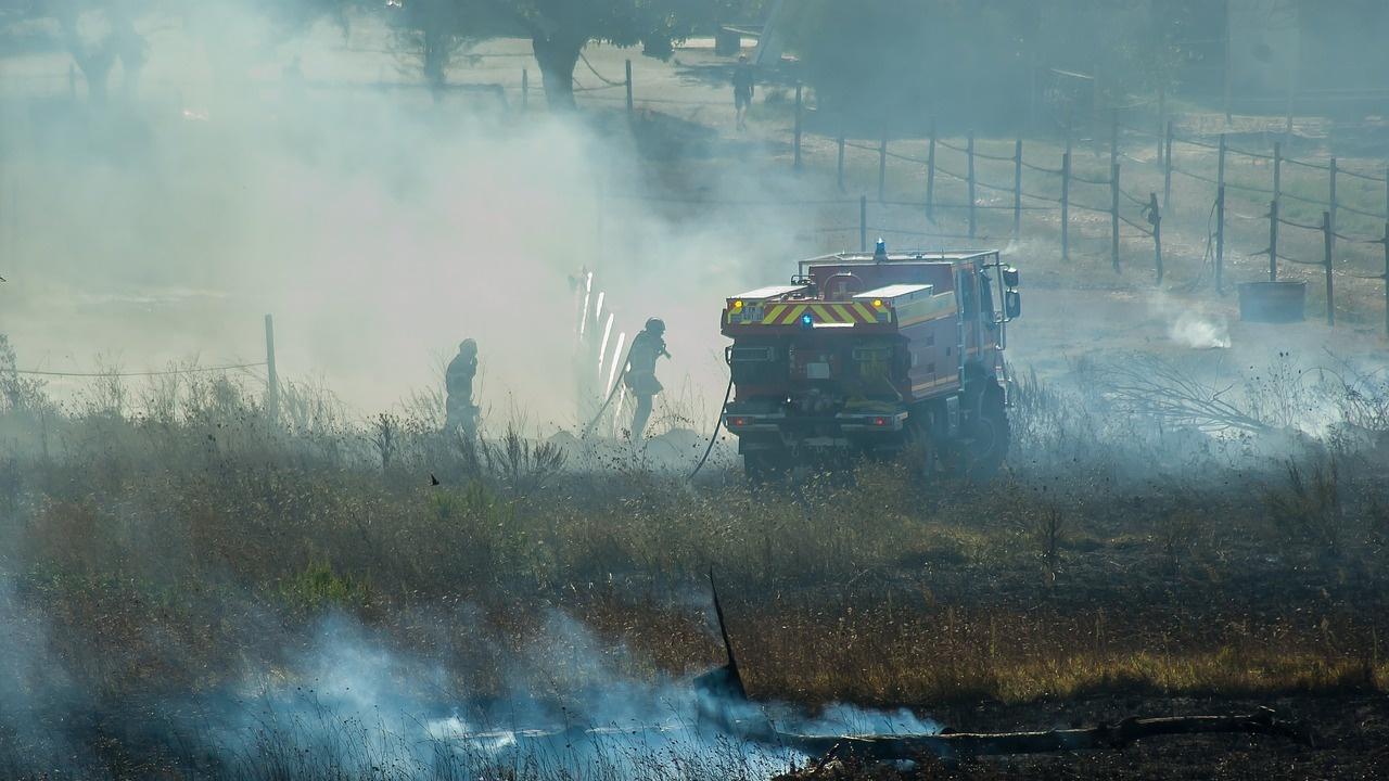 Увеличават се пожарите в сухи треви и храсти в Русенско