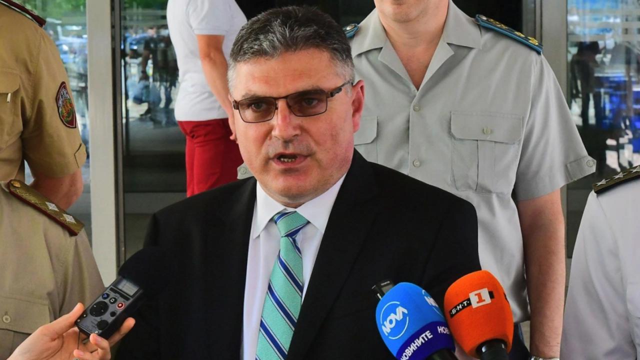 От МО с последна информация за самоубилия се военен, участвал в нахлуването в цехa в Чешнегирово
