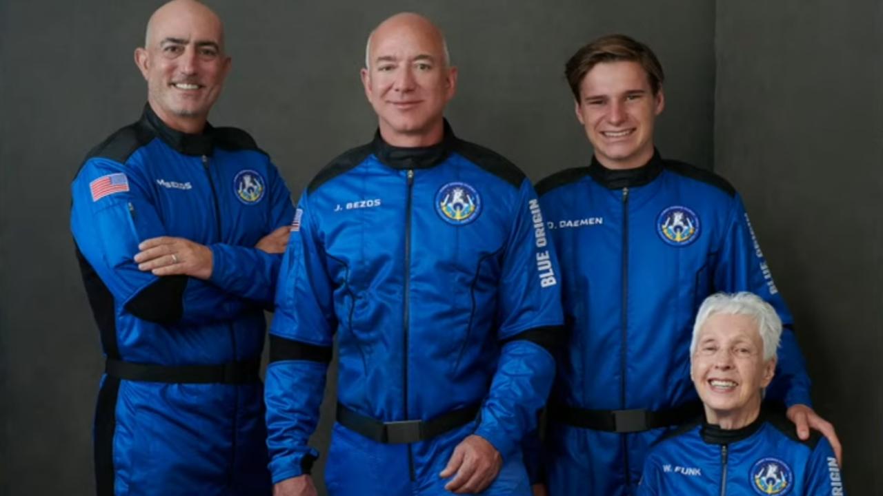 Джеф Безос излетя към Космоса