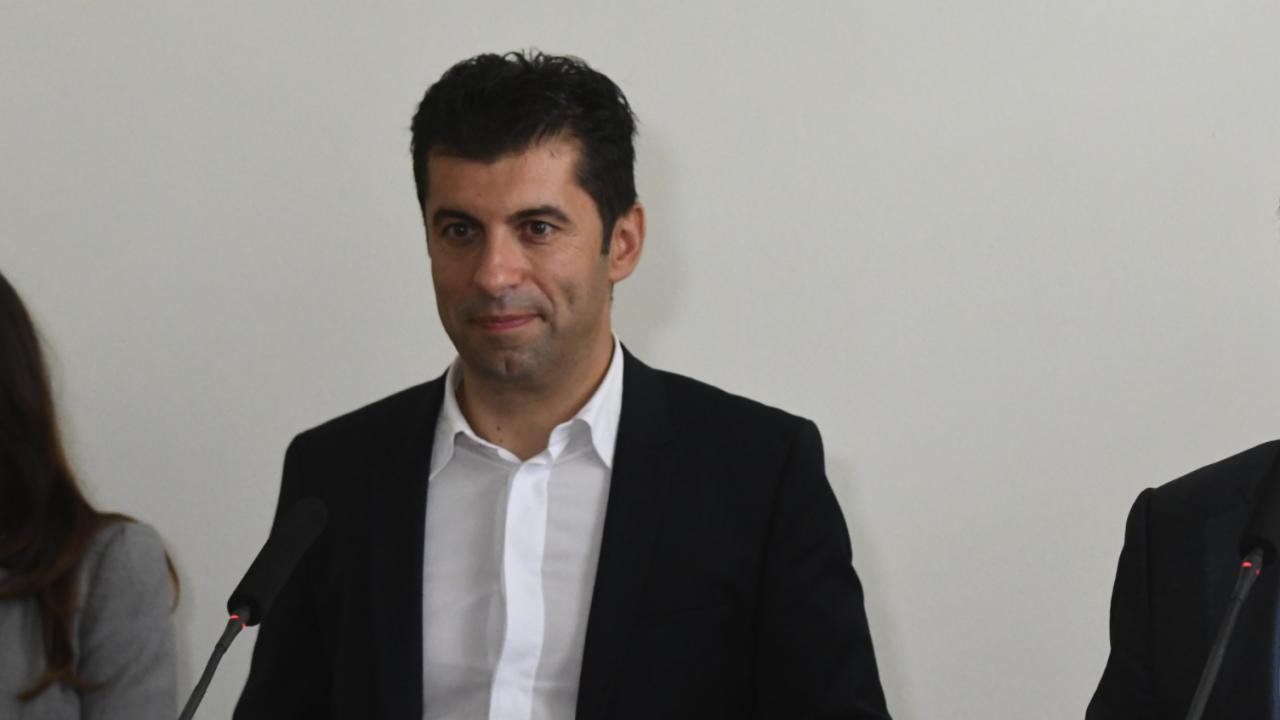 Служебните министри ще отговарят на въпроси на граждани на живо във Фейсбук - първи стартира Кирил Петков