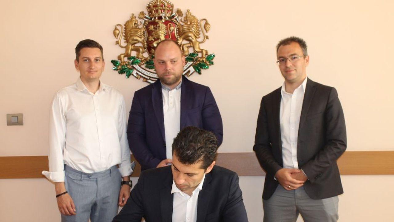 Кирил Петков подписа Декларация за създаване на по-благоприятни условия за стартиращите фирми