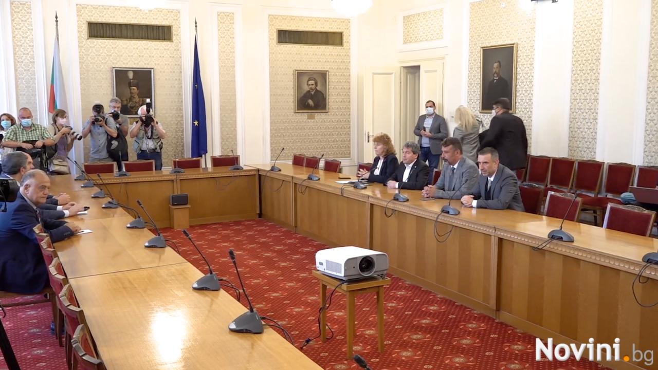Тошко Йорданов преди срещата с ДБ: Трябва да дадем добър знак за ново правителство! Изчегъртването на ГЕРБ е задача номер 1