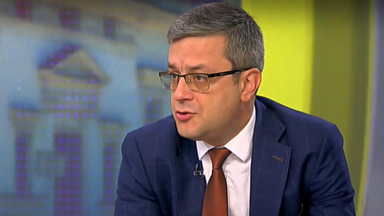 Тома Биков: Знаете ли какво ѝ предстои на България? Управление на Любен Беров